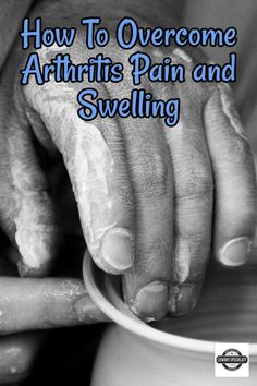 How To Cure Arthritis Pain & Swelling ⋆ Simple Home Remedies. This is how I cured my symptoms of arthritis in my hands and feet. It totally worked for me and I hope it will work for you as well! Let's cure arthritis! Arthritis Hands, Yoga For Arthritis, Knee Arthritis, Arthritis Pain Relief, Arthritis Symptoms, Arthritis Exercises, Natural Remedies For Arthritis, Arthritis