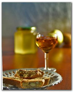 Vin Santo with Biscotti/Cantucci, an after-dinner Tuscan tradition and my all time favorite dessert!!!