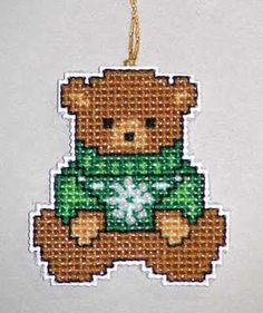 Patrick's Day Plastic Canvas I have found a few and will continue to update as I locate more free patterns. Plastic Canvas Coasters, Plastic Canvas Ornaments, Plastic Canvas Crafts, Plastic Canvas Patterns, Xmas Cross Stitch, Beaded Cross Stitch, Cross Stitching, Traditional Christmas Ornaments, Vive Le Vent