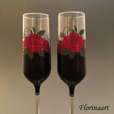 Steampunk Wedding, Gothic Wedding, Red Rose Wine, Pearl Wedding Anniversary Gifts, Glass Painting Designs, Inexpensive Wedding Favors, Red Rose Bouquet, Beautiful Red Roses, Wedding Glasses