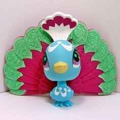 Littlest Pet Shop~#3006~Peacock Bird~Blue Pink White~Green Glitter~Pink Dot Eyes