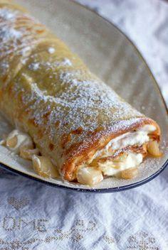 Onko olemassa parempaa kuin pannukakku karamellisoiduilla omenilla? Eipä oikein, mutta rullaamalla pannarin tiukaksi kääretorttuma...