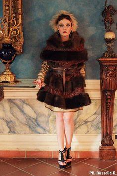 Mai, dico mai coprire gli occhi di una donna..........Sono la sua anima.........  Mantella in tricot e pelliccia