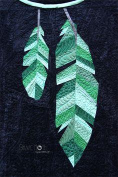Feathers   Shape Moth: Dreamcatcher mini quilt finished