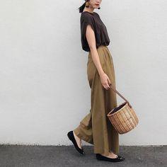 "2,141 Likes, 61 Comments - Nagi◡̈* (@nagina001) on Instagram: "". 今日は暖かかった♡ プリーツスカートで春きぶん 早く 春になれ . tops. #spicandspan  bottom.  #hbeautyandyouth  bag. #zara…"""