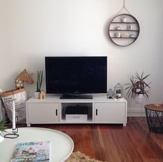 We love how Kate Sparks from Little Dwellings has styled a Mocka TV Unit into her lounge room.