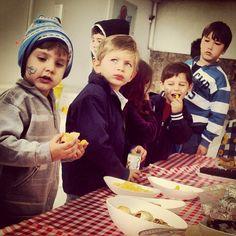 Atividade na Unidade Valinhos #picnic #friends #english #valinhos #redballoon