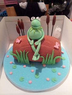 Kermit the Frog Disney Themed Cakes, Beach Themed Cakes, Disney Cakes, Cake Cookies, Cupcake Cakes, Cupcakes, Frog Food, Frog Cakes, Frog Design