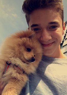 Okay I know this is an old picture but I love Dani them and now plus the dog is cute to love poms Zach Herron, Future Boyfriend, To My Future Husband, Pretty Boys, Cute Boys, Why Dont We Imagines, Bae, Why Dont We Band, Corbyn Besson