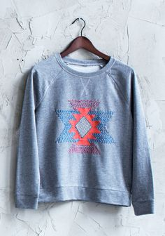 Kelim-kuvioitu paita SK2/14. Sweatshirts, Sweaters, Fashion, Creative Workshop, Moda, Fashion Styles, Pullover, Sweatshirt, Sweater