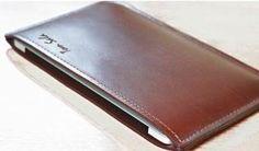 Bordeaux leather MacBook Pro case