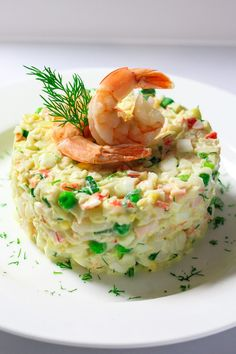 Have you ever had to bring some kind of dish to a last minute party or get together? And on top of that, you have absolutely no time to cook anything. Well this crab and shrimp salad might be your life saver in this kind of situation. No cooking required! Salad Recipes Healthy Lunch, Salad Recipes For Dinner, Easy Salad Recipes, Shrimp Recipes, Fish Recipes, Appetizer Recipes, Shrimp And Crab Salad, Crab Stuffed Shrimp, Seafood Salad