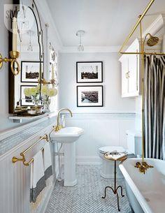 44 Modern Small Bathroom With Clawfoot Tub Design Modern Small Bathrooms, Beautiful Bathrooms, Vintage Bathrooms, Modern Bathroom, Brass Bathroom, Bathroom Flooring, Neutral Bathroom, White Bathroom, Bling Bathroom