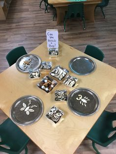 Superstars Which Are Helping Individuals Overseas Invitation To Create Using Wooden Loose Parts Reggio Emilia Classroom, Reggio Inspired Classrooms, Kindergarten Science, Preschool Classroom, Infant Classroom, Classroom Setup, Inquiry Based Learning, Early Learning, Teaching Art