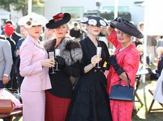 Diary of a Vintage Girl | Vintage Fashion & Lifestyle: Goodwood Revival - the 2015 edition!