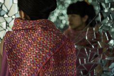 ストール展 春から夏にかけてのストールは、装いに彩りを添えるだけでなく、冷房よけや、強い日差しから肌を守るなど、色々な場面で活躍します。シルクや綿、リネンなどの良質な素材を使い、織りに工夫をこらした肌ざわりのよいストールが揃います。松屋銀座ババグーリ 5月13日(水)より横浜髙島屋ババグーリ 5月27日(水)-6月16日(火)ストールコットンリネン二重織¥32.000+税Photographs by Yuriko Takagi