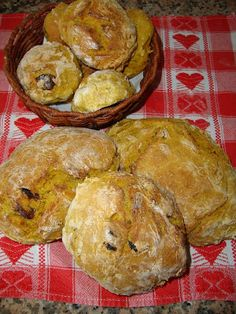 Portuguese Sweet Bread, Portuguese Recipes, Small Cake, Churros, Scones, Coco, Sweet Recipes, Biscuits, Bakery