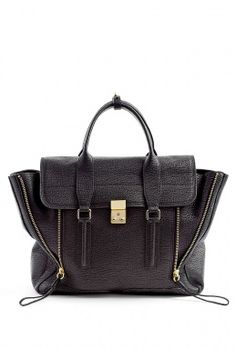 Loving this structured satching from 3.1 Phillip Lim !