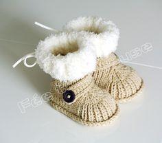 Bottines bébé pour l'hiver (beige, avec bouton)                                                                                                                                                                                 Plus