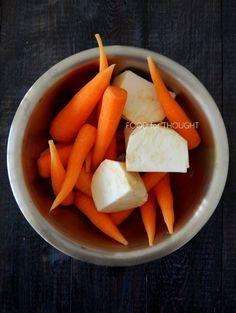 Καροτόσουπα βελουτέ με σελινόριζα και μπαχαρικά | Food for thought | Bloglovin' Snack Recipes, Healthy Recipes, Healthy Meals, Celeriac, Carrot Soup, Food For Thought, Cantaloupe, Carrots, Spices