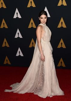 7635f7763a7 Hailee Steinfield in Eliee Saab Red Carpet 2016