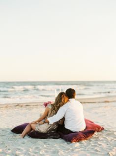 A sweet scene for beach engagement photos