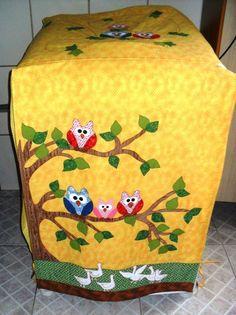 How fun!  A sewing machine cover! Capa para máquina de lavar roupa