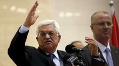 Palestinian President Mahmoud Abbas gestures as he speaks during the opening ceremony of a park in the West Bank city of Ramallah 5 April 2015.