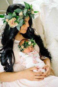 Trendy baby girl newborn pictures with mom mother daughters ideas Foto Newborn, Newborn Shoot, Baby Girl Newborn, Baby Birth, Newborn Pictures, Maternity Pictures, Pregnancy Photos, Newborn Pics, Baby Pictures