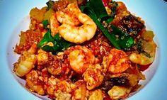 Hier kommt sie: Die Myprotein Fitness Paella mit Quinoa, Hähnchenbrustfilet und Riesengarnelen. Ein Hauch Spanien direkt nach Hause!