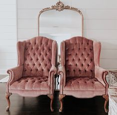 Vintage Chair Makeover - Chair Design Restaurant - Chair For Living Room Ikea - Throne Chair Drawing - White Chair Covers Velvet Wingback Chair, Pink Velvet Chair, Tufted Chair, Velvet Chairs, Velvet Furniture, French Dining Chairs, Chair Makeover, Vintage Chairs, Vintage Armchair