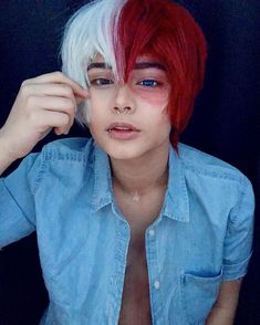Btw if you don't know who lowcash cos is, get tiktok and if you have it watch hers Deku Cosplay, Todoroki Cosplay, Cosplay Anime, Cute Cosplay, Amazing Cosplay, Cosplay Outfits, Halloween Cosplay, Cosplay Costumes, Cosplay Ideas