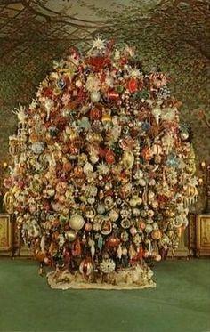 Victorian Vintage Christmas Tree