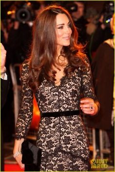 Kate in Temperley... I like how her stuff is not overtly sexy, but she still looks GREAT.