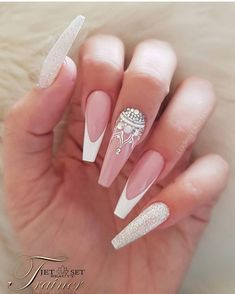 best nail designs colors for spring 2019 img 77 bad nails, long nails Long Nail Designs, Acrylic Nail Designs, Nail Art Designs, Nails Design, Ongles Bling Bling, Bling Nails, Pearl Nails, Nagellack Design, Nagellack Trends