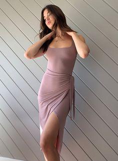 Casual Work Dresses, Work Dresses For Women, Modest Dresses, Smocked Dresses, Wrap Dresses, Sleeve Dresses, Midi Dresses, Floral Dresses, Beach Dresses