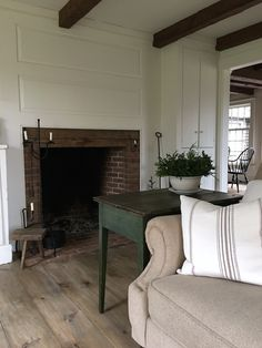 50 Awesome Fireplace Design Ideas for Small Houses Country Interior, Country Decor, Small Living Rooms, Living Spaces, Home Design, Interior Design, Design Ideas, Georgian Fireplaces, Casa Patio