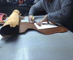 How to make a #leather bag #handmade #craftsmanship
