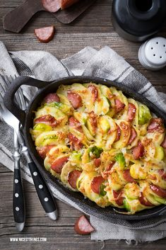 Potato gratin recipe with Brussels sprouts – Pizza Baked Chicken Tacos, Baked Chicken Recipes, Pork Recipes, Rotisserie Chicken Oven, Oven Chicken, Smoked Pulled Pork, Smoked Beef Brisket, Potato Gratin Recipe, Lemon Pasta