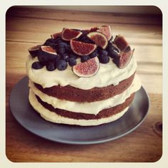 The cake mark one: carrot cake with a cream cheese frosting. Decorated with blueberries and figs Carrot Cake Decoration, Fig Tree, Cream Cheese Frosting, Figs, Blueberries, Farmers Market, Cooking Tips, Carrots, Cake Decorating