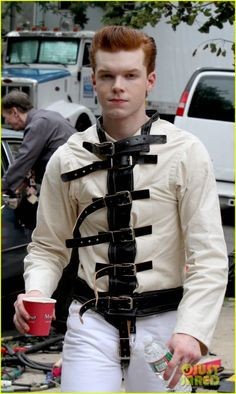 Cameron Monaghan Pictured as The Joker on 'Gotham' Set!: Photo Cameron Monaghan wears a straight jacket while playing a young version of The Joker on the set of Gotham on Wednesday (July in New York City. Gotham Series, Gotham Cast, Gotham Tv, Tv Series, Gotham Joker, Gotham Villains, Joker And Harley Quinn, Gotham Characters, Batman Origins