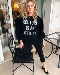 "29.7 mil curtidas, 197 comentários - Chiara Ferragni (@chiaraferragni) no Instagram: ""Feeling very Couture right now @itsjeremyscott @moschino #ItalianDays"""