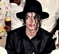 king of pop and michael jackson image Michael Jackson Fotos, Michael Jackson Smile, Paris Jackson, King Of Music, My King, My Idol, Beautiful Men, Handsome, The Incredibles