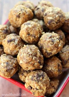 Energy Balls: 1 cup quick cooking oats 1/2 cup all natural peanut butter, 1/3 cup honey, 1 cup coconut flakes, 1/2 cup milled flaxseed, 1 tsp vanilla, 1/2 cup mini chocolate chips (optional) . Keep refrigerated. gm