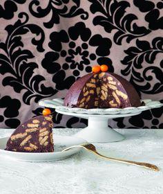 Συνήθως έχει μακρόστενο σχήμα σαν σαλάμι, να όμως που γίνεται και τούρτα!