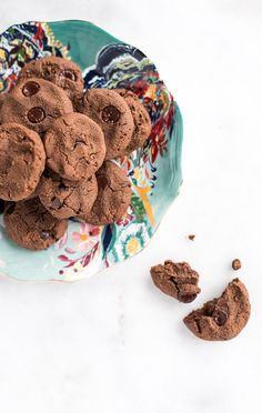 Vegan Grain-Free Double Dark Chocolate Chickpea Cookies   A simple, secretly healthy recipe for vegan, grain-free, refined-sugar free cookies made using a surprising ingredient—chickpeas! Soft, chewy, and full of chocolate!   Honestly Nourished