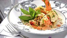 Blanquette exotique de gambas et volaille au lait de coco Parfait, Coco, Thai Red Curry, Shrimp, Health Fitness, Meat, Chicken, The Originals, Cooking