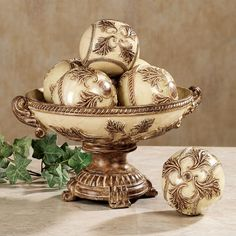The lavish Old World style of the Vinelle Centerpiece Bowl will add elegance to your home. Acanthus leaves and rope trim decorate the soft beige resin accent. Bathroom Accessories Sets, Decorative Accessories, Table Accessories, Kitchen Accessories, Casas Magnolia, Tuscan Home Decorating, Decorating Tips, Tuscan Style Homes, Large Glass Jars