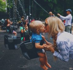 Swinging' mommy and me Future Life, Future Baby, Baby Family, Family Love, Ohana Means Family, Jolie Photo, Baby Kind, Family Goals, Baby Fever