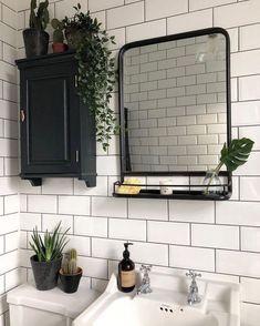 small Bathroom Decor Pflanzen im Bad . Bad Inspiration, Decoration Inspiration, Bathroom Inspiration, Bathroom Ideas, Decor Ideas, Bathroom Sinks, Bathroom Inspo, Modern Bathroom, Bathroom Vintage